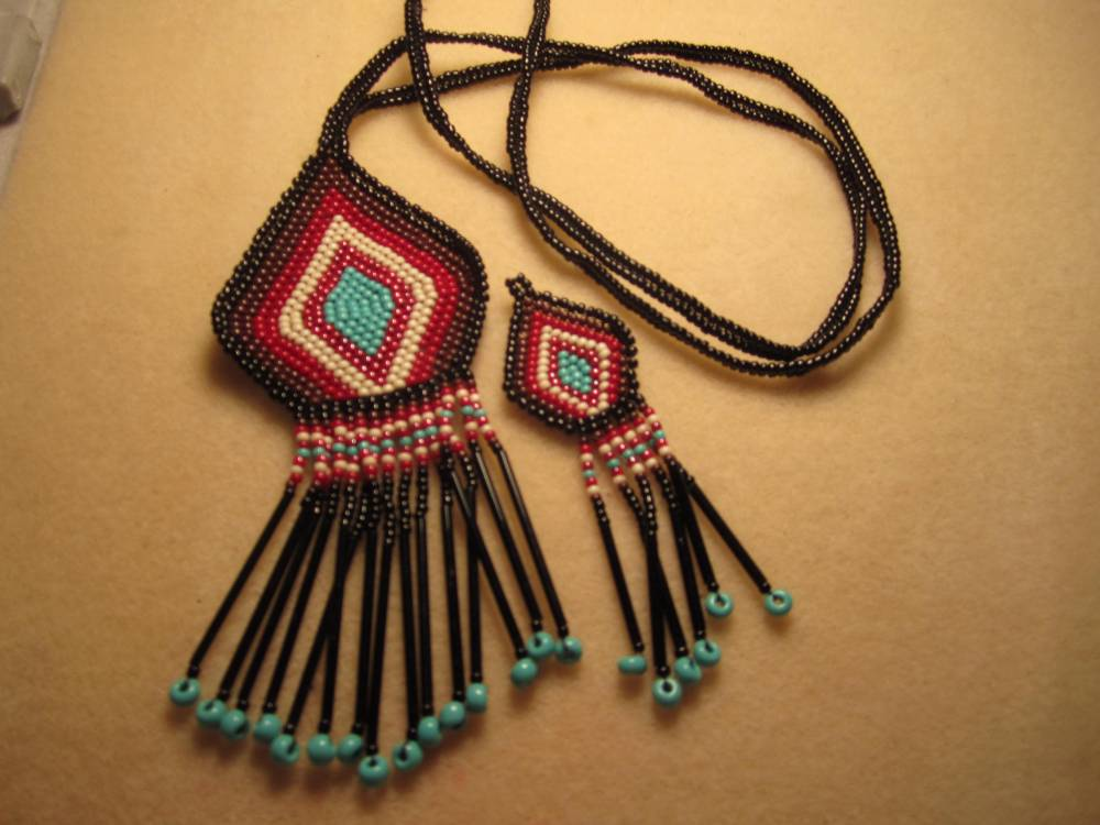 Seed bead jewelry (3/6)