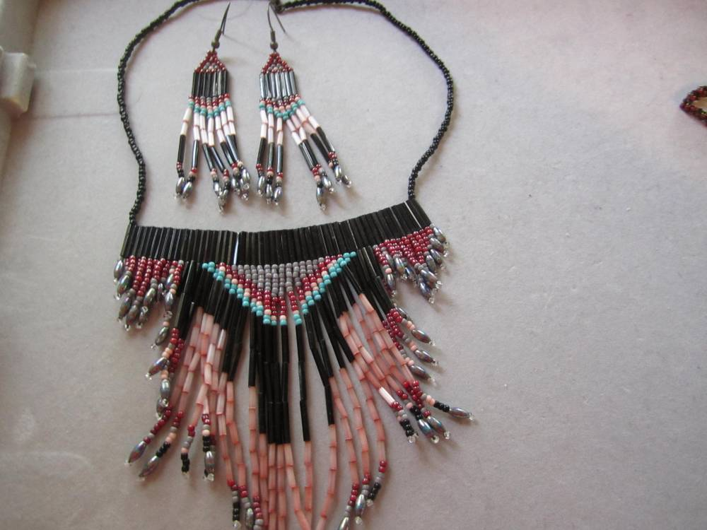 Seed bead jewelry (1/6)