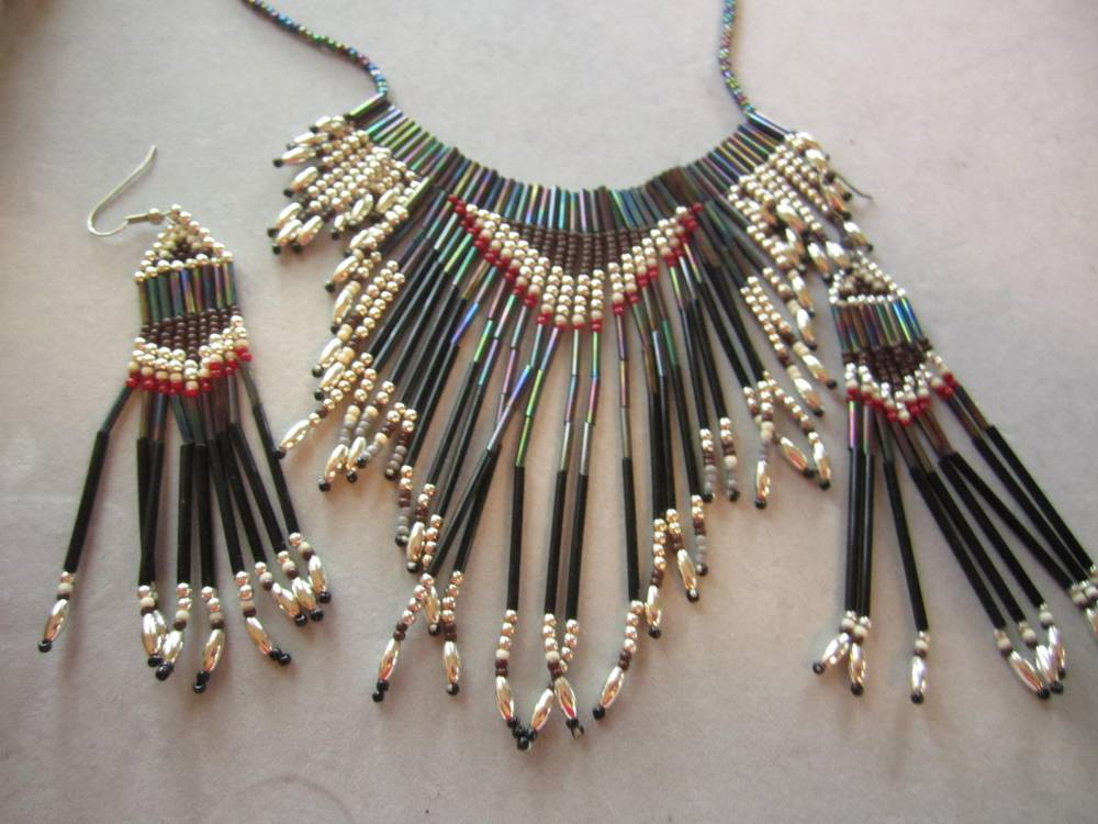 Seed bead jewelry (2/6)