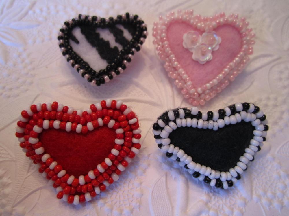 Felt heart pins continued !!  (5/5)