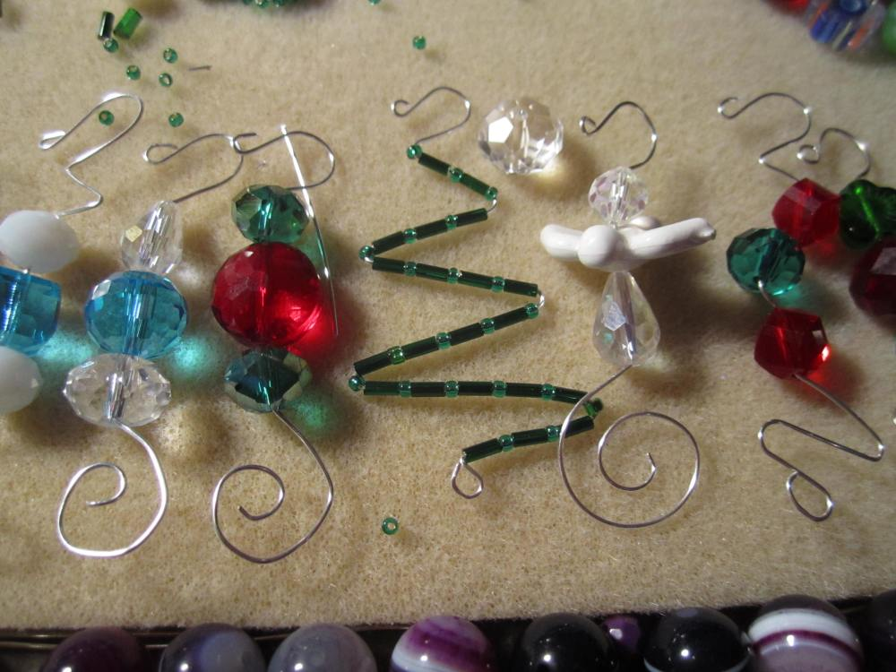 Christmas ornament hooks , with beads !!!! With tutorial (1/6)